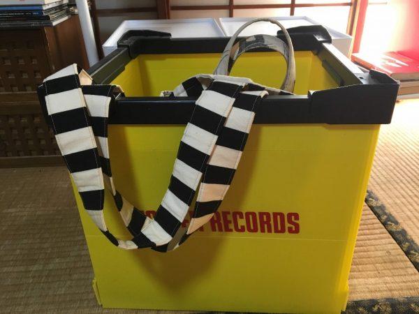 プラダンのレコードBOX