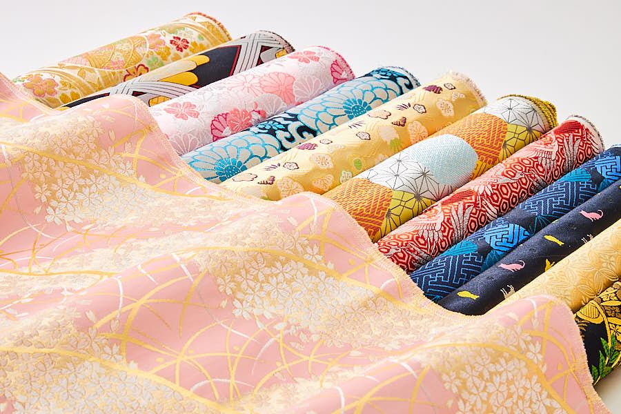 舞香花様のスツールに使用されている布