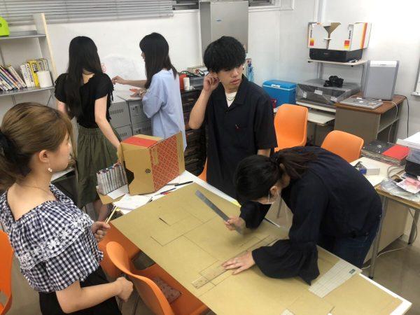 大阪デザイン専門学校 美販ワークショップ風景