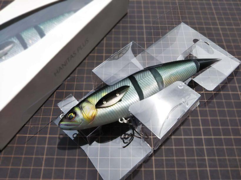 クリアケースで固定しているハニタスプラスの画像