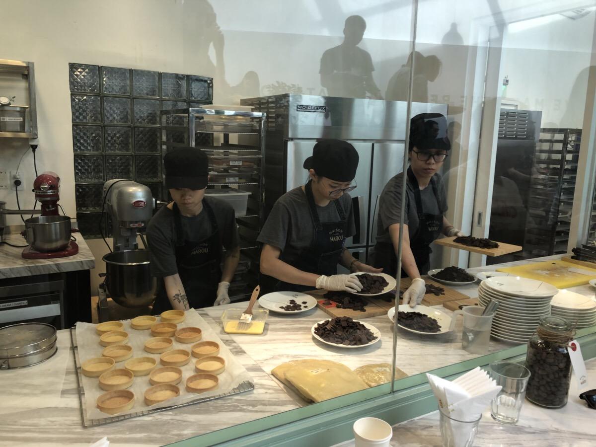ベトナムで人気のチョコレート店「MAROU」の製造風景
